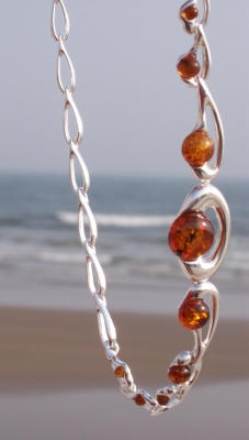Amber Silver Necklace NE3001