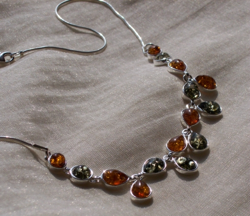 Amber Silver Necklace NE3078