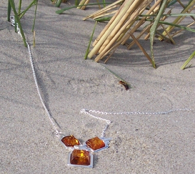 Amber Silver Necklace NE6068
